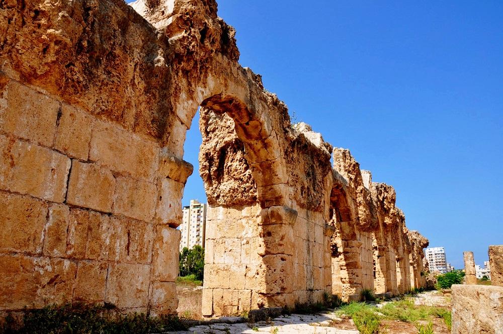 Roman Aqueduct Of Tyre Lebanonuntravelled Com