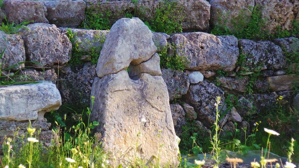 obelisk temple, byblos 6
